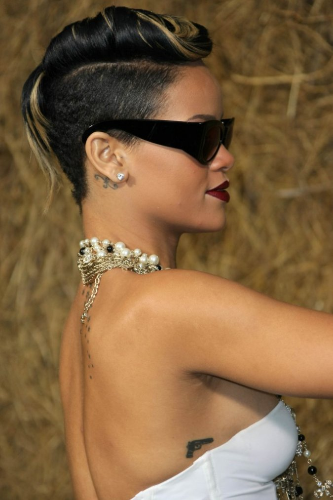 short-rihanna-hairstyles-2012-10